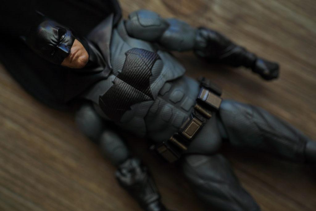 toy-review-figuarts-batman-batfleck-just-very-random-10