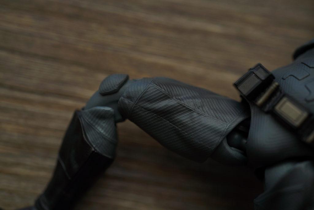 toy-review-figuarts-batman-batfleck-just-very-random-16