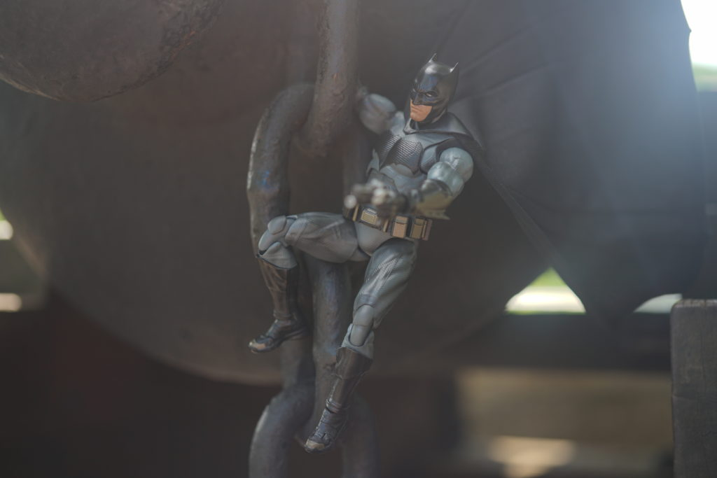 toy-review-figuarts-batman-batfleck-just-very-random-20