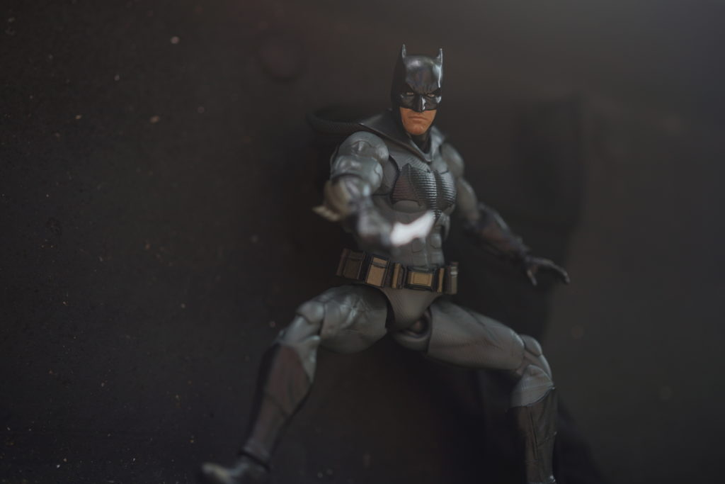 toy-review-figuarts-batman-batfleck-just-very-random-33