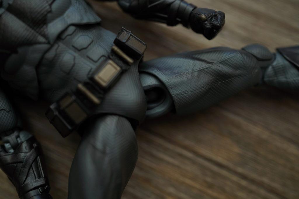 toy-review-figuarts-batman-batfleck-just-very-random-5