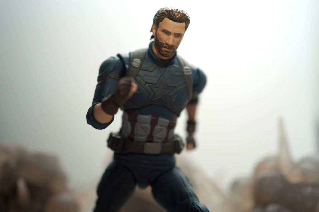 toy-review-shfiguarts-captain-america-avengers-infinity-war-just-very-random-21