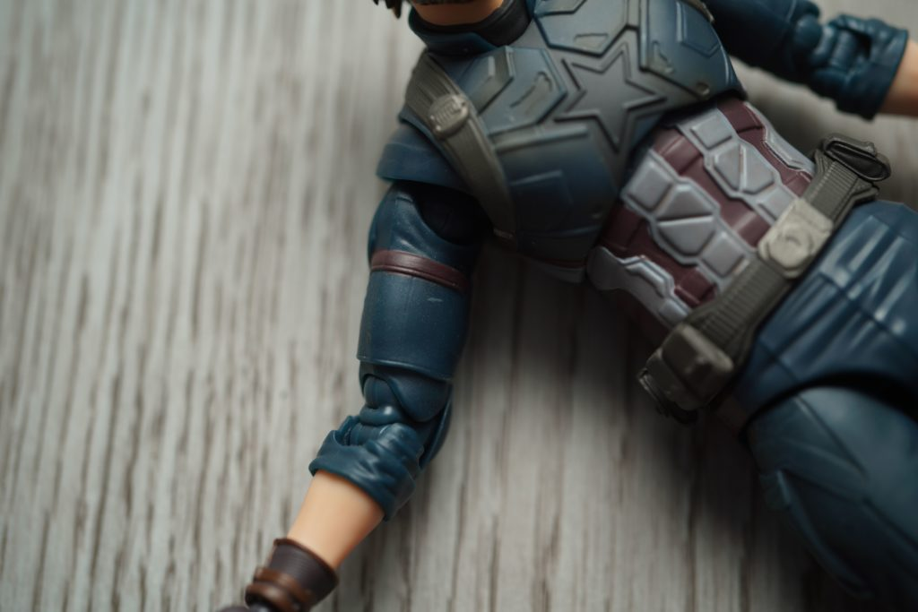 toy-review-shfiguarts-captain-america-avengers-infinity-war-just-very-random-8