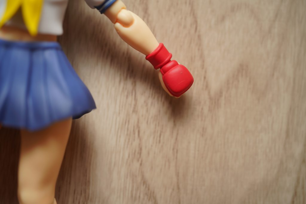 toy-review-shfiguarts-street-fighter-sakura-just-very-random-13