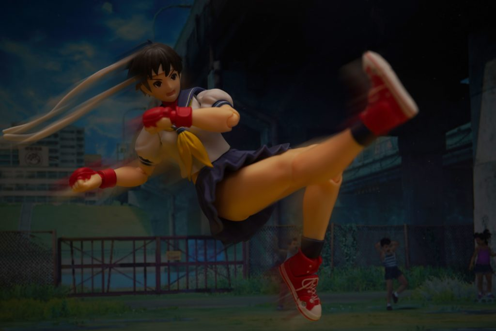 toy-review-shfiguarts-street-fighter-sakura-just-very-random-16