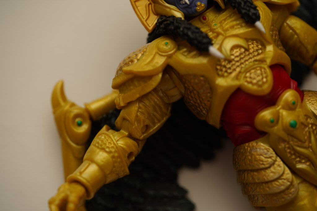 toy-review-power-rangers-lightning-collection-goldar-justveryrandom-10