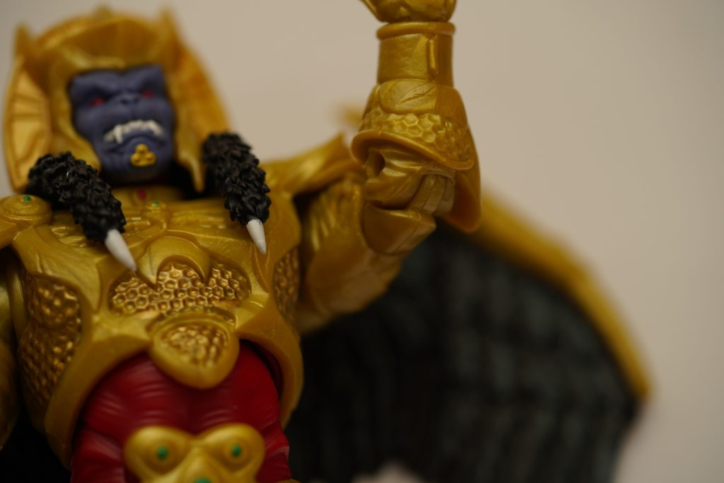 toy-review-power-rangers-lightning-collection-goldar-justveryrandom-11