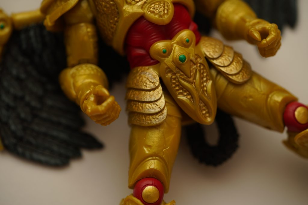 toy-review-power-rangers-lightning-collection-goldar-justveryrandom-12