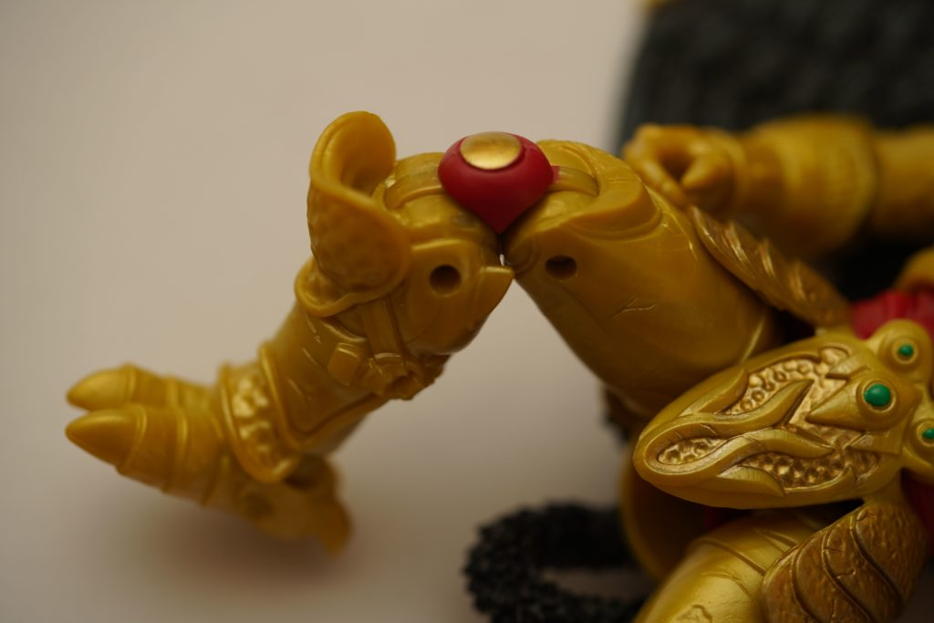toy-review-power-rangers-lightning-collection-goldar-justveryrandom-13