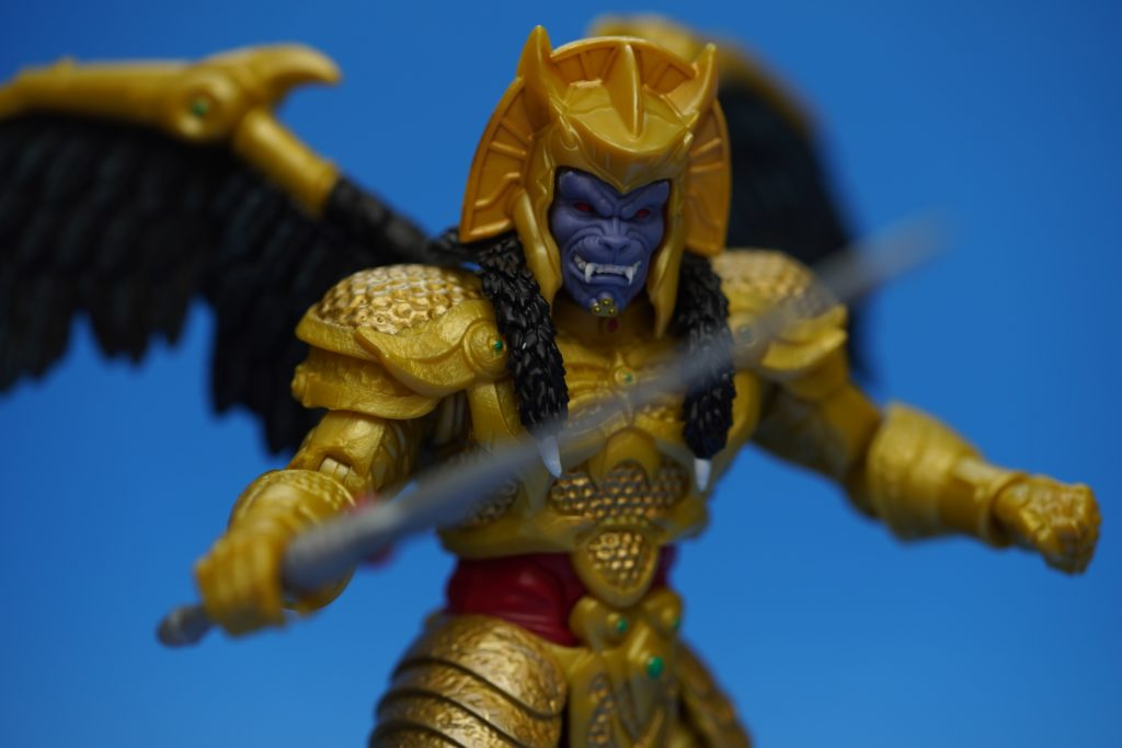toy-review-power-rangers-lightning-collection-goldar-justveryrandom-20