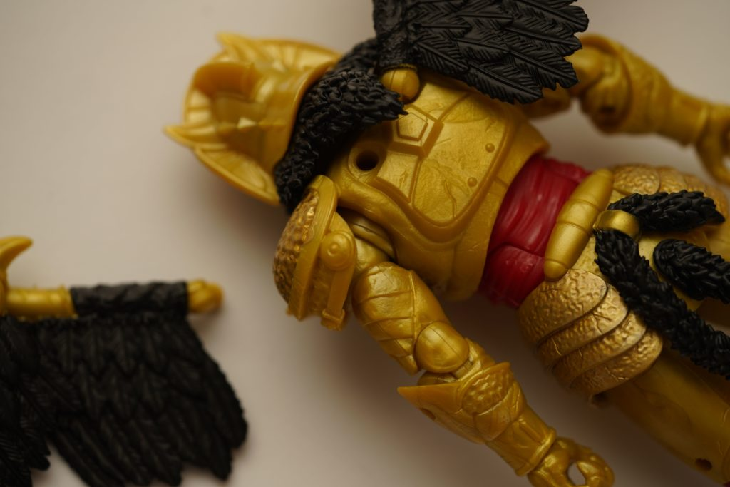toy-review-power-rangers-lightning-collection-goldar-justveryrandom-8