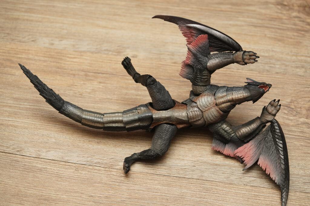 toy-review-s-h-monsterarts-monster-hunter-nargacuga-justveryrandom-15