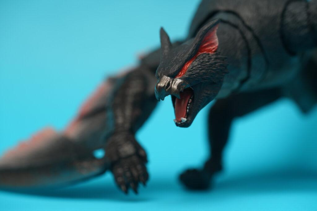 toy-review-s-h-monsterarts-monster-hunter-nargacuga-justveryrandom-26