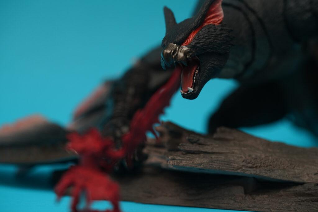 toy-review-s-h-monsterarts-monster-hunter-nargacuga-justveryrandom-27